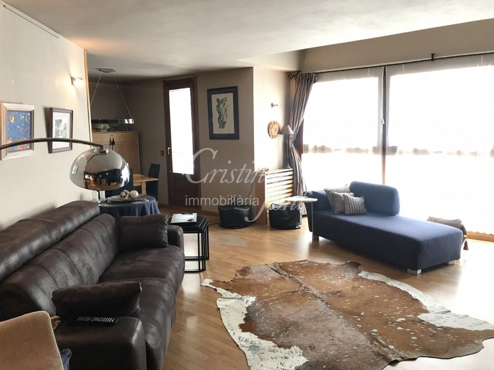 Pis en venda a Arinsal, 4 habitacions, 188 metres